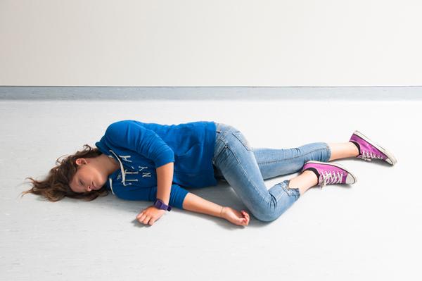 comment placer un enfant en Position latérale de sécurité - 3
