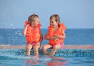 noyade, arrêt respiratoire, réanimation, prévenir les noyades, piscine, gilet de sauvetage