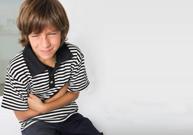 mal au ventre, pleurer, ventre tendu, appendicite, gastro-entérite, constipation, vomissements verts